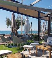 Le Cafe Cezanne