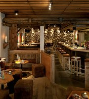 Gepsi Bar, Eiger Selfness Hotel