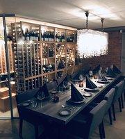 Le Vin Wine & Food