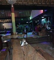 Peace Bar & Restaurant