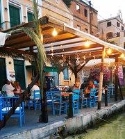 Carnagio Cafe