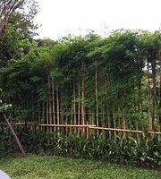 Jungle De Cafe Kute Chang