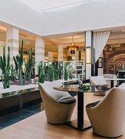 Cafe La Galerie