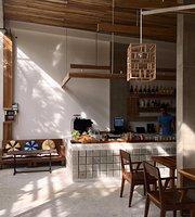 Infiniti Cafe and Resto