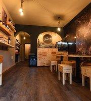 La Fraschetta wine and food