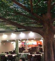 El Yunque Treehouse