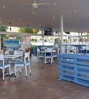 Salado Beach Bar