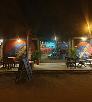 Mancora Surfers Bar and Grill