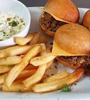 Marlin Pub and Grill