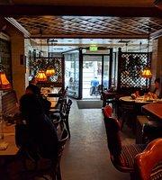 Dovrestua Bar & Restaurant