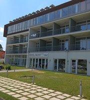 Yacht Club Hotel Spa & Restaurant