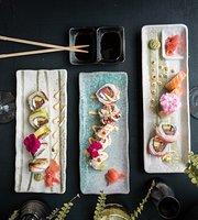 Zakani Cocina Nikkei-Sushi Bar