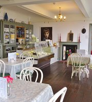 Julia's Tea room