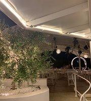 La bussola Beach Restaurant