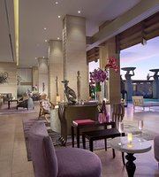 The Lounge at The Mulia