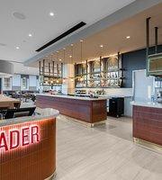 Trader Cafe, Restaurant and Bar