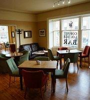 The Corner House Hotel – Cafe Lounge Bar