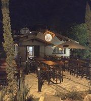 Roadhouse Tap Bar