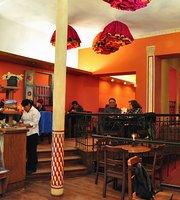 Cafe Banais