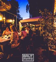 ‪BRUT Food & Wine Bar - BRUT Burgers & Steaks‬