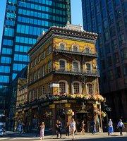 The Albert Pub Victoria Street