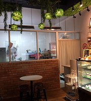 Naux Pastry Cafe
