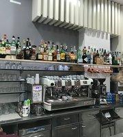Lucki Point Cafe