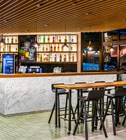 Rick's Restaurante & Bar