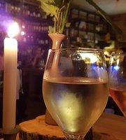 Weinladen am Kanal