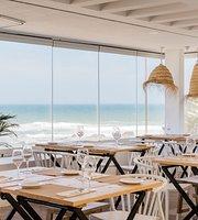 Bronzear Beach Bar & Restaurant