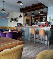 Uno Coffee & Lounge