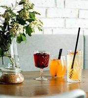 Podnik cafe & bar