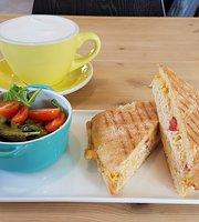 Cafe 106