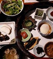 Japanese cuisine, Teppanyaki Mogamitei