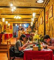 Moment Romantic Restaurant