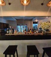 Jim Jam's Retaurant & Lounge Bar