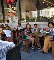 Lekker Cafe Restaurant
