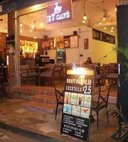 E7 Cafe & Restaurant