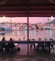 Doctor Alone Restaurant & Cafe