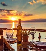"Taverna Mrestilishte ""Hatchery Fish&Wine"""