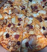 Buffalo Pizza Cancun