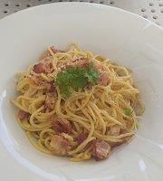 Apetyt Bistro & Cafe