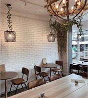 Lounge 418