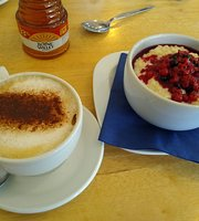 Missy Moops Cafe
