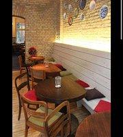 The Fidel Castro Cafe' & Restaurant