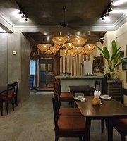 E Village Food & Bar