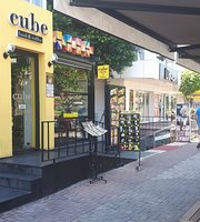Cube Food & Coffee