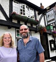 Royal Oak Pub & Kitchen