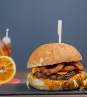 Officine Burgers and Drinks
