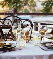 Medley Cafe and Restaurant